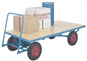 Plywood deck turntable truck