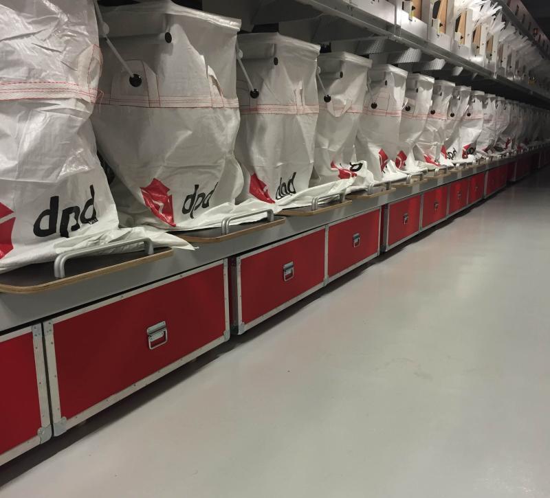 Custom cases on wheels for DPD