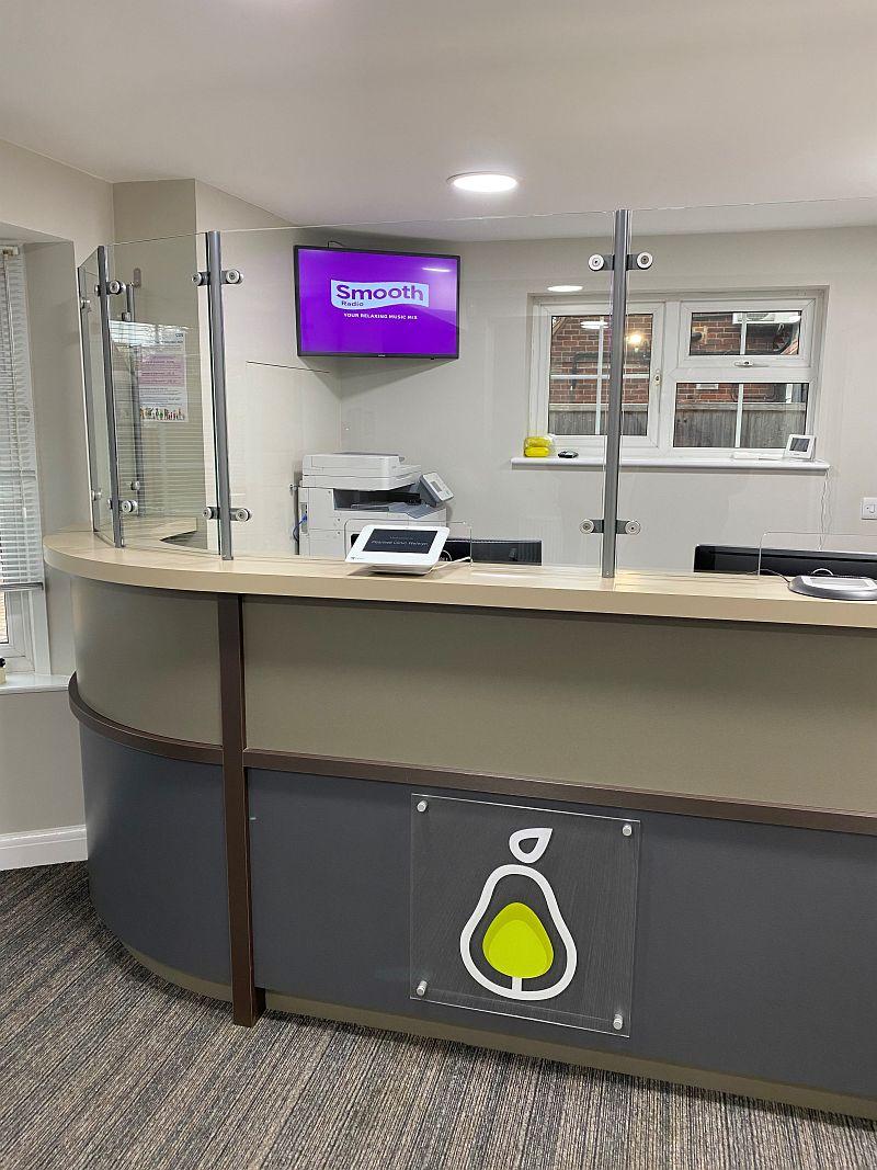 Reception glass screens
